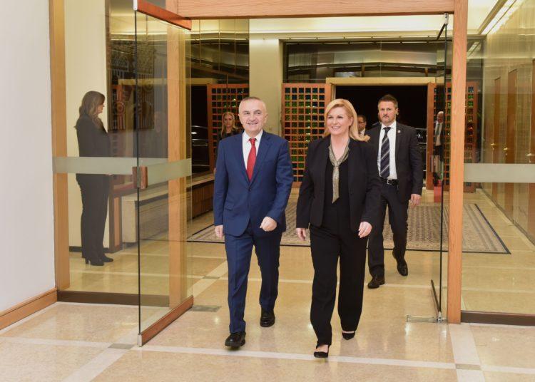 Predsjednica Grabar-Kitarović i albanski predsjednik Meta ocijenili odnose Hrvatske i Albanije vrlo dobrima