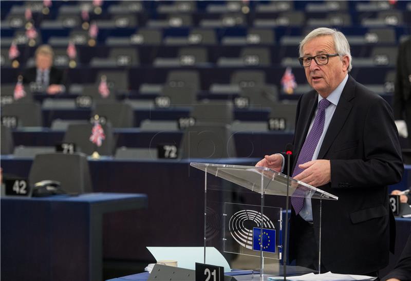 Juncker nudi Britancima mogućnost promjene odluke o Brexitu