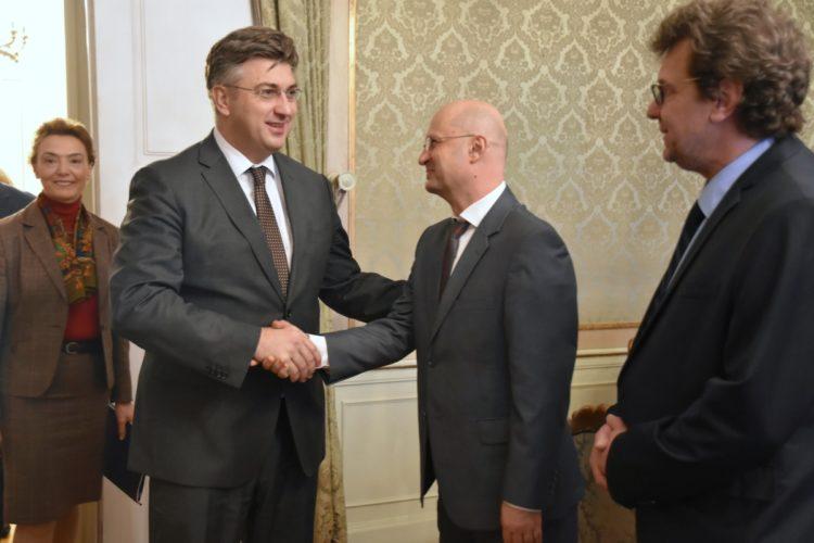 Predsjednik Vlade Plenković s predstavnicima hrvatske manjine u Srbiji