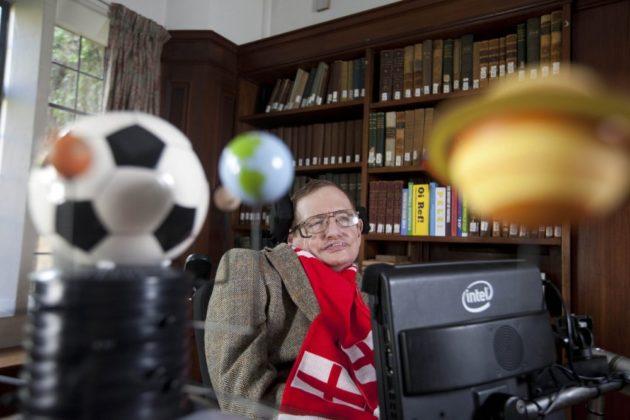 ODLAZAK britanskog teoretskog fizičara – Umro Stephen Hawking