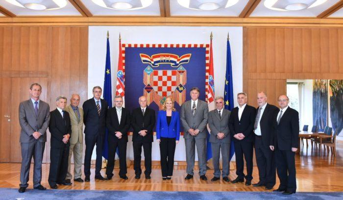 Predsjednica Republike Kolinda Grabar-Kitarović primila izaslanstvo Udruge ratnih veterana 204. vukovarske brigade