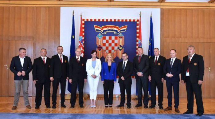 Predsjednica Grabar-Kitarović s izaslanstvom Viteškog alkarskog društva Sinj
