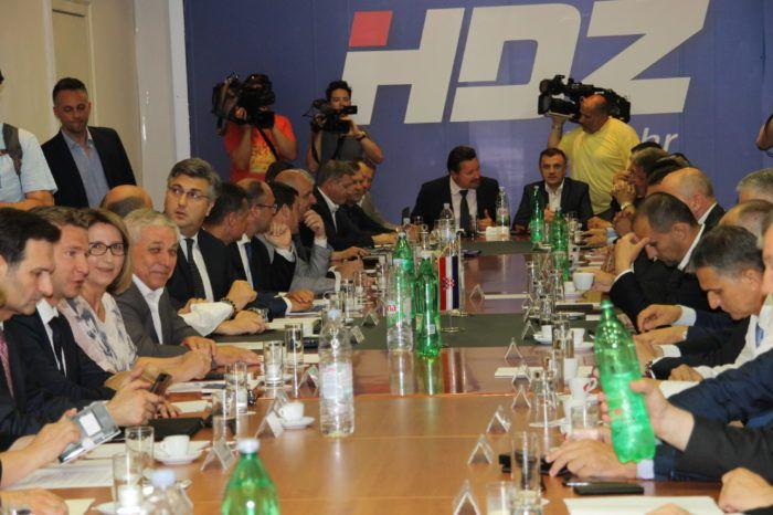 Stier i Kovač razrješeni, a Božinović i Kuščević imenovani na dužnosti političkog i međunarodnog tajnika