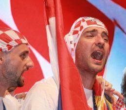 """Ćorluka se oprostio od hrvatske nogometne reprezentacije: Imao sam priliku dijeliti najjače emocije sa suigračima, kao i s našim sjajnim navijačima – hvala vam na podršci!""""Iznad svih Hrvatska"""""""