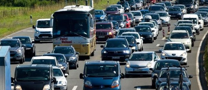HAK: Moguć pojačan promet uz povremene zastoje na glavnim cestovnim pravcima