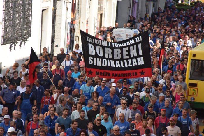 """Radnici Uljanika na ulicama Pule u nikad većem broju: """"Uništili ste Uljanik!"""", """"IDS mafijo!"""", """"IDS lopovi!"""""""