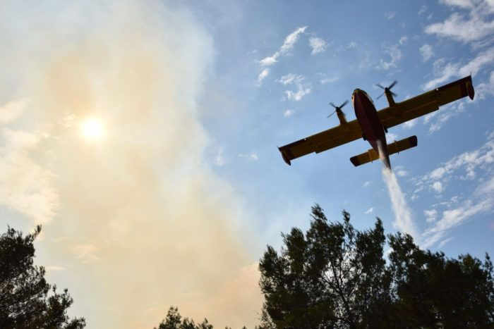 U gašenju četiriju požara sudjelovale i zračne snage