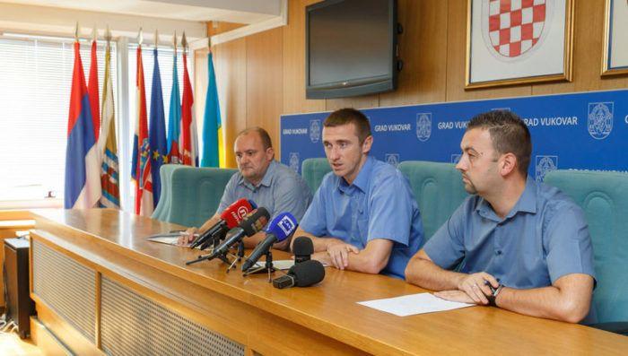 Penava: Vukovarskim osnovnoškolcima besplatni udžbenici, bilježnice, cvičke i tenisice