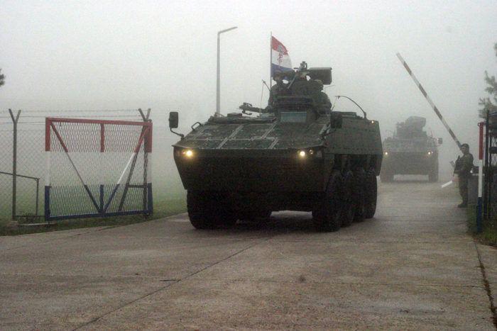 MORH: Bojna Gromovi s 24 oklopnih vozila na putu za slunjski poligon