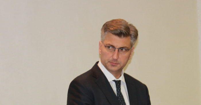 Premijer i šef HDZ-a Plenković: U petak u Saboru glasovanje o zakonu o udomiteljstvu i bit će prihvaćen onako kako ga je Vlada predložila