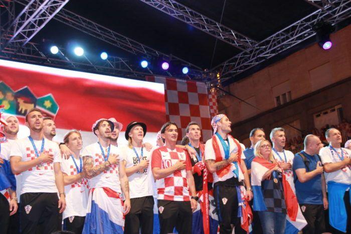 Hrvatski reprezentativci kroz Zakladu Vatreno srce pomažu djeci diljem Hrvatske