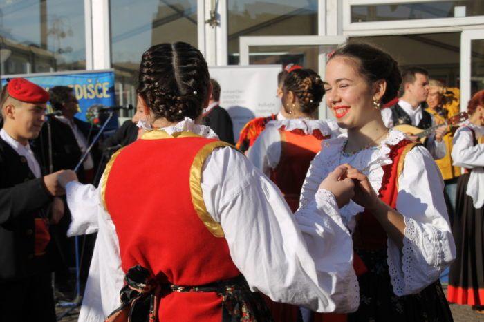 Hrvatska bira šest pjesama za prvu EU pjesmaricu