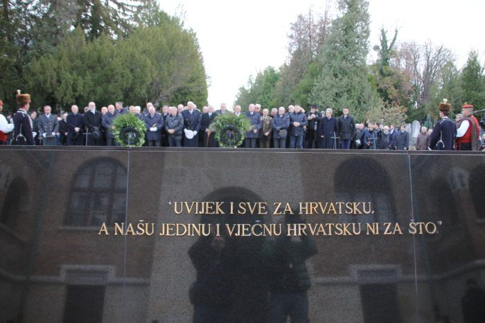 Hrvatski generalski zbor položio vijenac na grob prvog hrvatskog predsjednika – Ljubo Ćesić Rojs: Franjo Tuđman je za mene Otac domovine