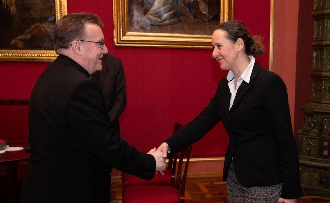 Kardinal Bozanić i ministrica Obuljen Koržinek o Riznici zagrebačke katedrale