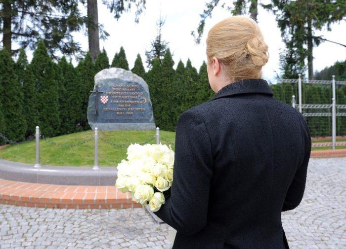 Predsjednica Grabar-Kitarović kao Hrvatica i vjernica žali zbog zabrane mise zadušnice na bleiburškom polju
