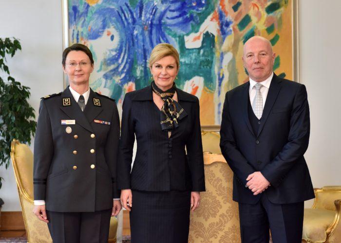 """Predsjednica Republike Grabar-Kitarović primila predstavnike """"RACVIAC"""" Centra za sigurnosnu suradnju"""