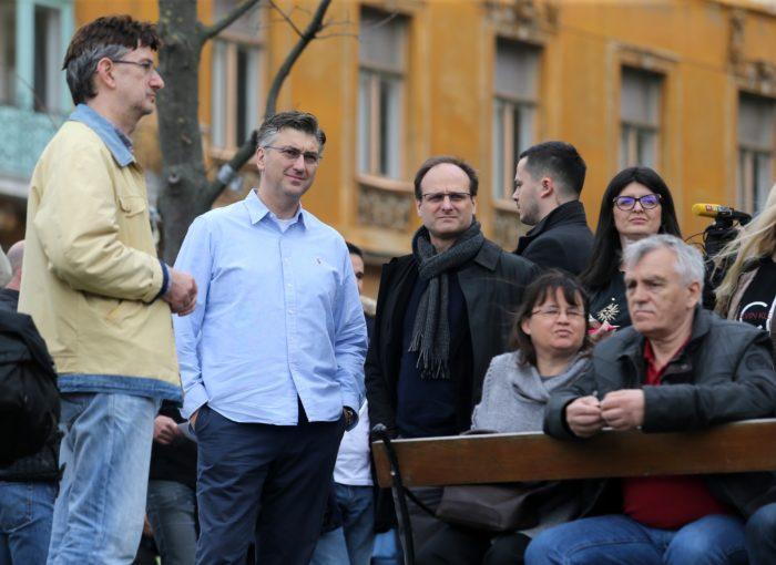 Plenković podržao prosvjed #Spasime: Nasilje u obitelji tretirati kao kazneno djelo i strože kažnjavati