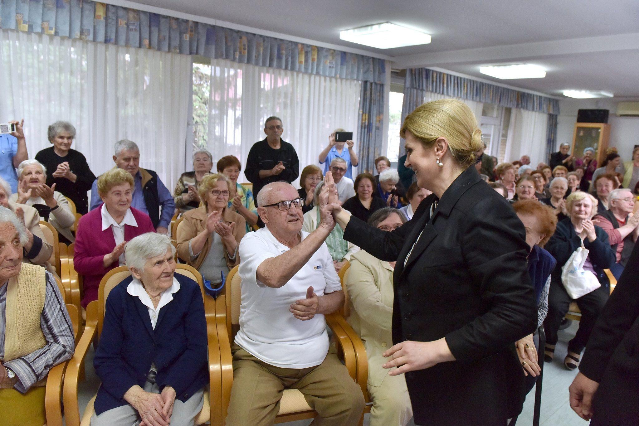 Predsjednica Grabar-Kitarović: Policentričan razvoj ključ demografske obnove Slavonije i Hrvatske