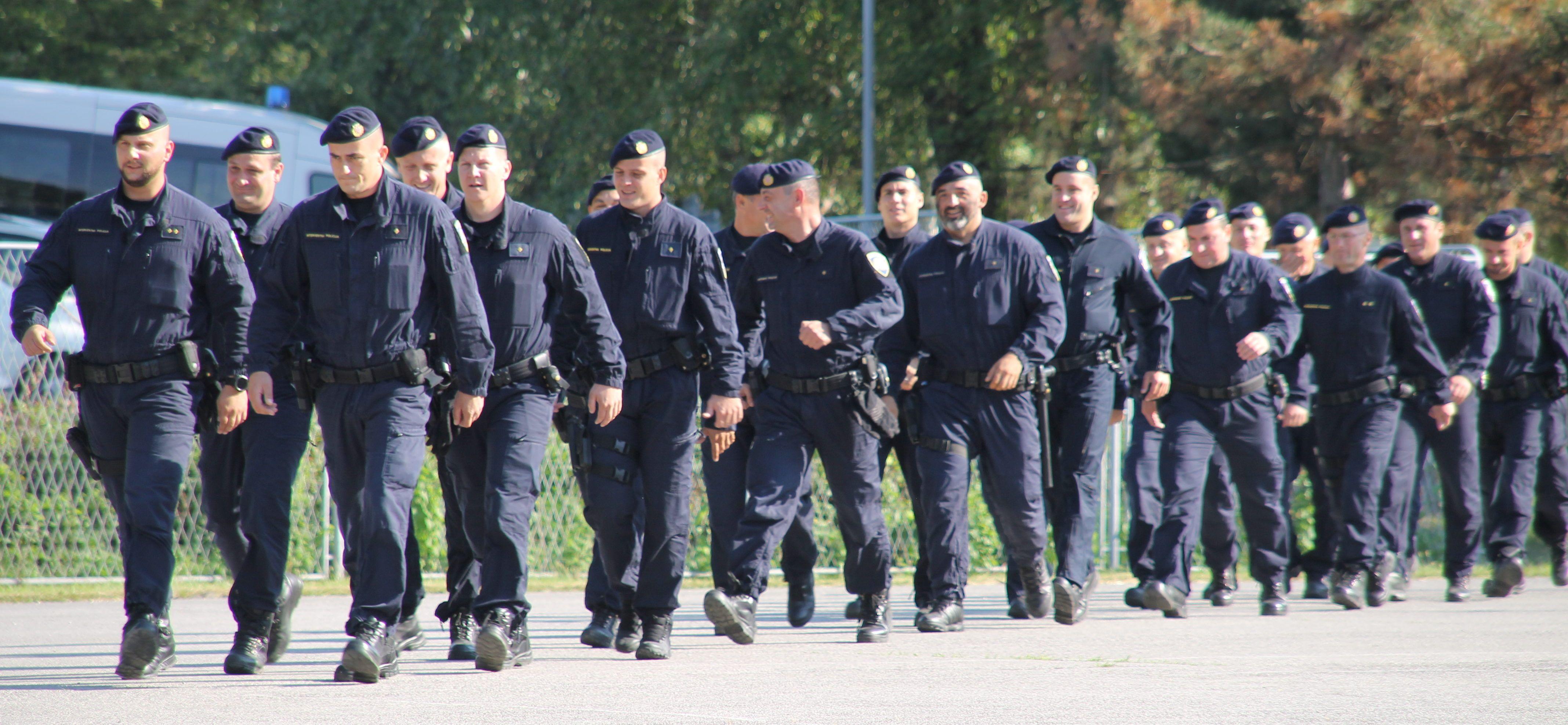 Prvi put nakon rata osniva se pričuvna policija