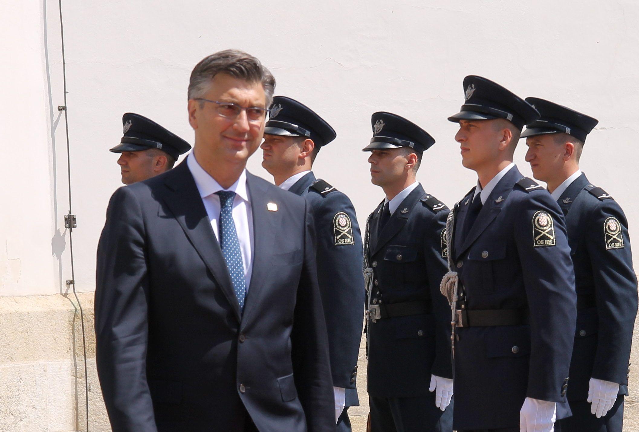 Plenković: Iz odluke Ustavnog suda ne proizlazi obveza dvojezičnih ploča u Vukovaru