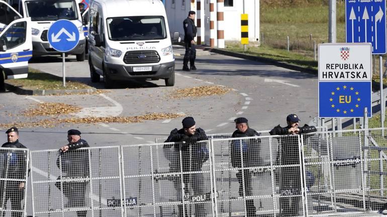 """MUP: Bez """"sredstava prisile"""" 18 migranata odvraćeno od prelaska granice"""