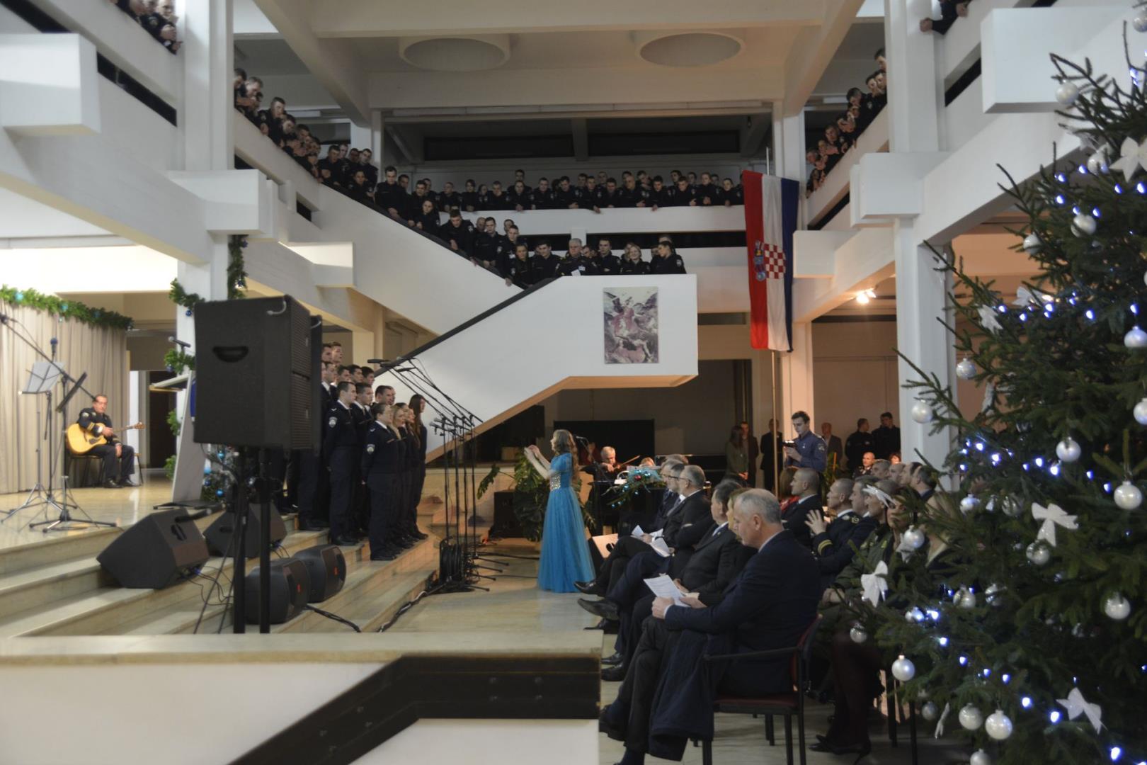 Na Policijskoj akademiji održan Božićni koncert MUP-a