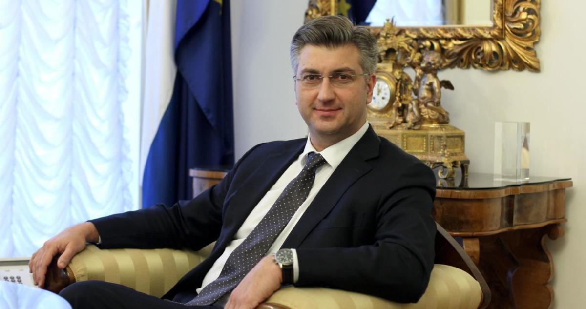 Premijer Plenković uputio božićne čestitke kardinalu Bozaniću i predsjedniku HBK Puljiću