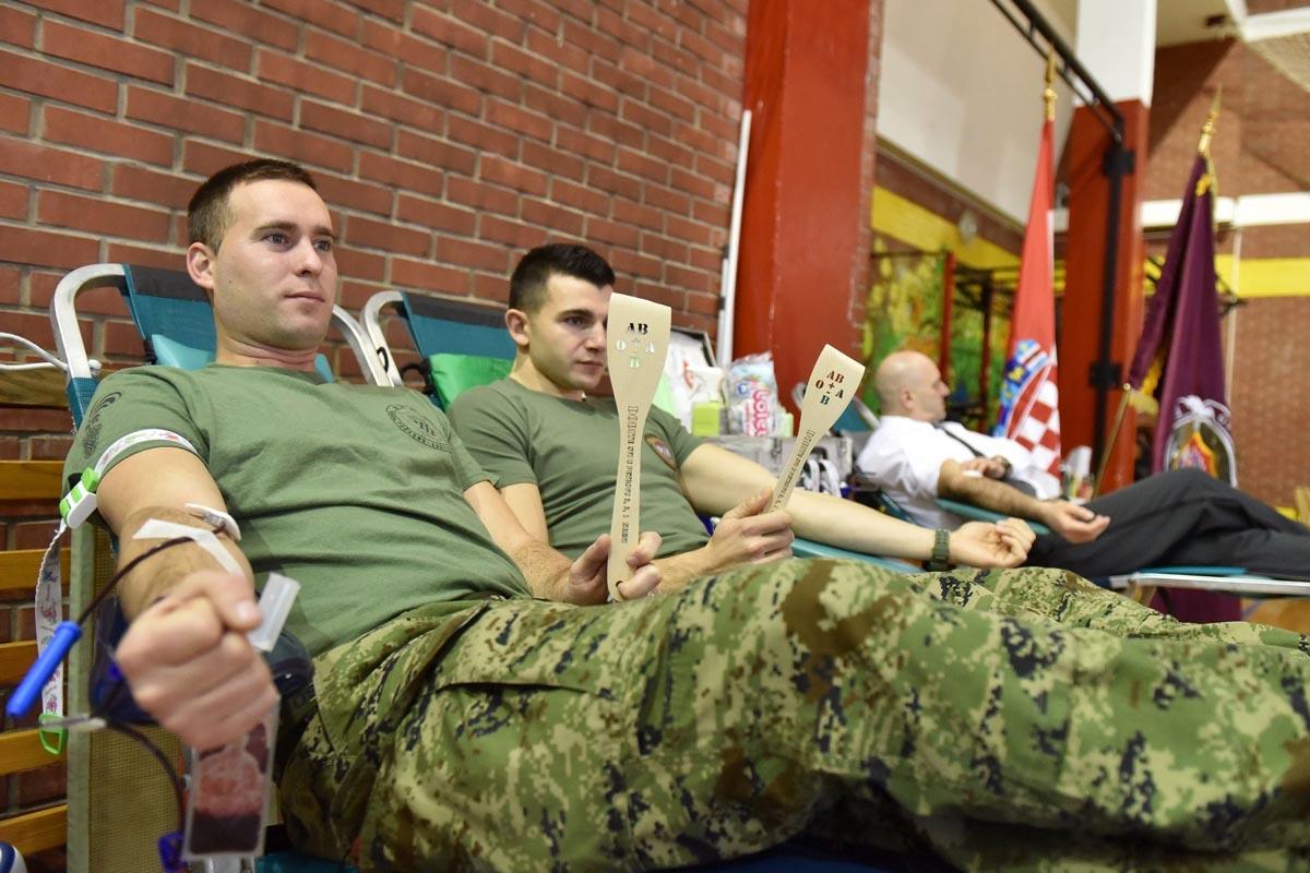 Počasno zaštitna bojna sudjelovala u akciji dobrovoljnog darivanja krvi
