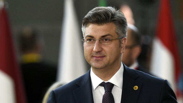 Plenković : Hrvatska još uvijek razmatra ponude borbenih zrakoplova