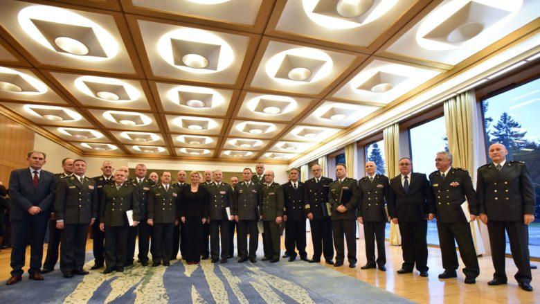 Predsjednica i vrhovna zapovjednica primila umirovljene visoke časnike Oružanih snaga Republike Hrvatske