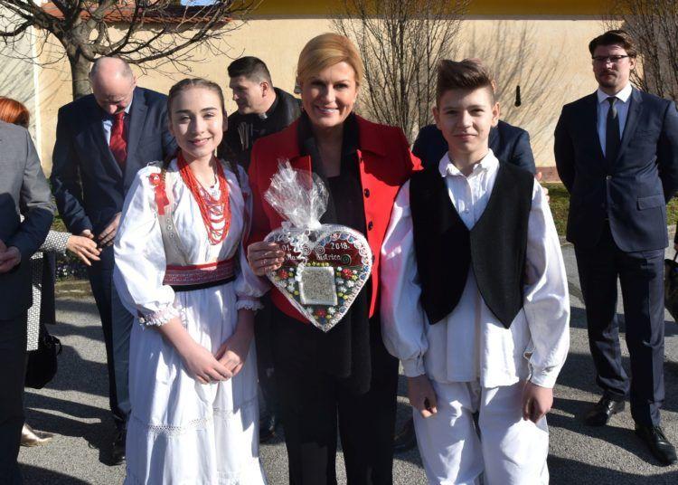 Predsjednica Grabar Kitarović u Bedekovčini: Iz škola tebaju izlaziti kompetentni, stručni i zapošljivi mladi ljudi
