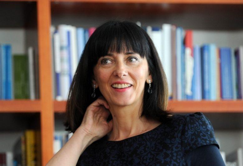 Ministrica Divjak: Počinjemo edukaciju učitelja informatike