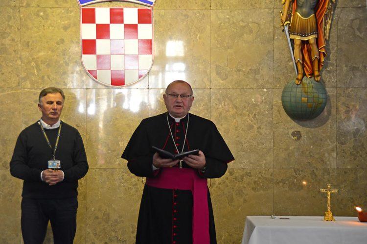 Monsinjor Jure Bogdan blagoslovio djelatnike MUP-a