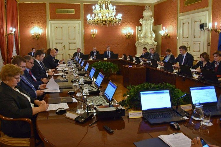 SJEDNICA VLADE-Hrvatskom saboru upućen Konačni prijedlog zakona o obiteljskom poljoprivrednom gospodarstvu