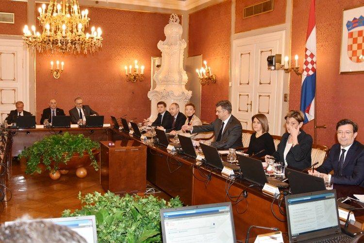 Plenković: Paket pravosudnih zakona dobar iskorak za jačanje neovisnosti i nepristranosti hrvatskoga pravosuđa