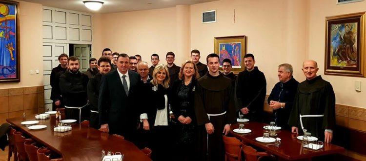 Dogradonačelnica Zagreba Olivera Majić posjetila Franjevački samostan u zagrebačkoj Dubravi