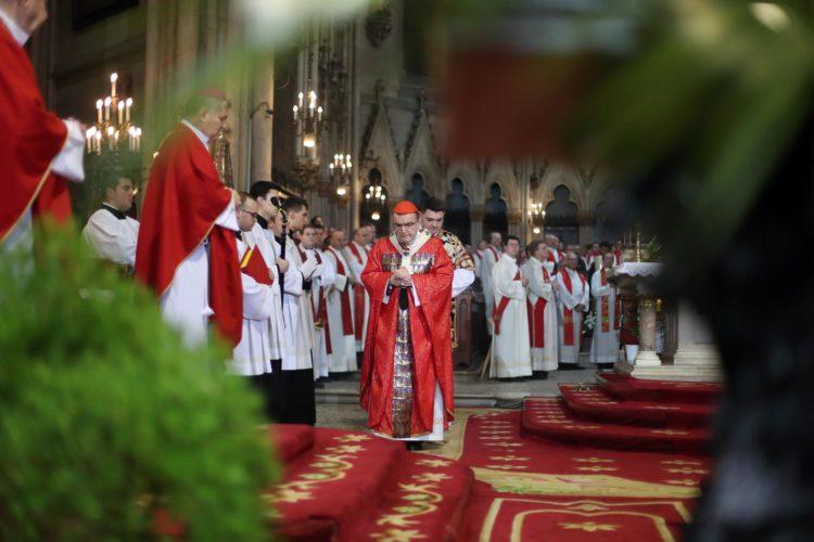 Bozanić: Kardinal Stepinac bio je vidljivi dar utjehe povezan s nadom i s trpljenjem