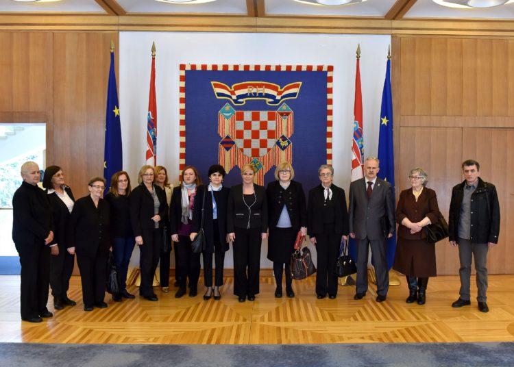 Predsjednica Grabar-Kitarović primila predstavnike srbijanskih udruga nestalih