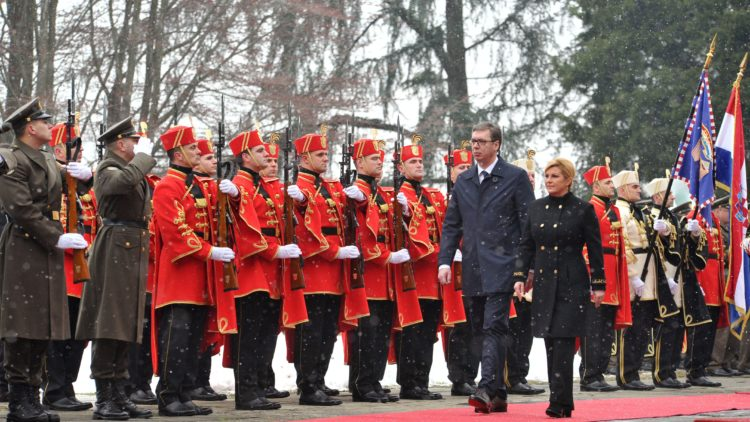 Predsjednica Grabar-Kitarović primila u službeni posjet predsjednika Republike Srbije Vučića