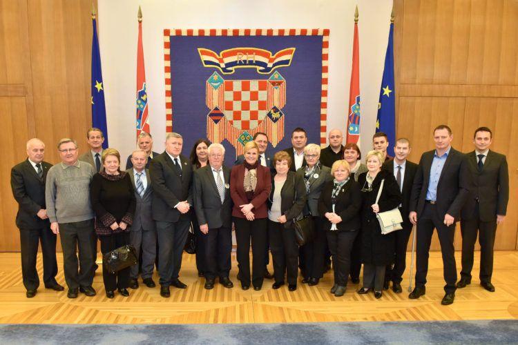 Predsjednica Grabar-Kitarović s predstavnicima braniteljskih i stradalničkih Udruga iz Domovinskog rata