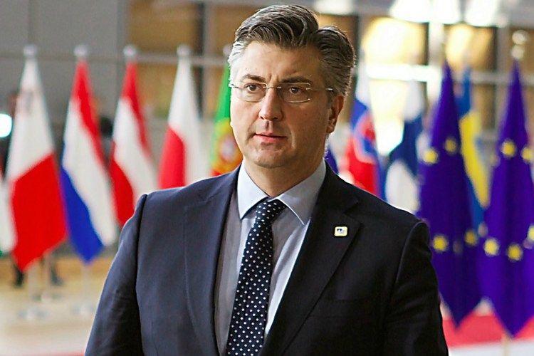Predsjednik Vlade Plenković kaže da se o novom izvanrednom povjereniku u Agrokoru vode razgovori s nekoliko ljudi