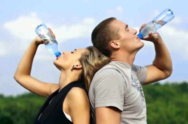 Što kažu znanstvenici o tome koliko nam vode dnevno treba