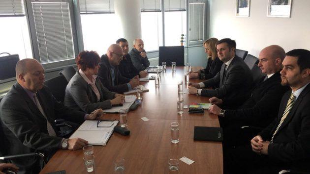 Ministar Ćorić razgovarao sa sindikalcima o budućnosti Ine i sisačke rafinerije