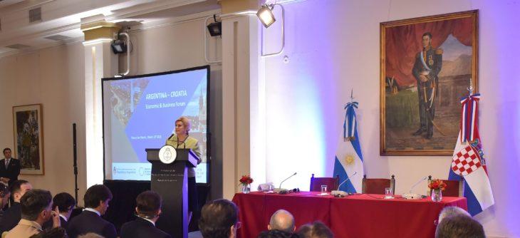 Hrvatska predsjednica Grabar-Kitarović najavila jačanje gospodarskih odnosa s Argentinom
