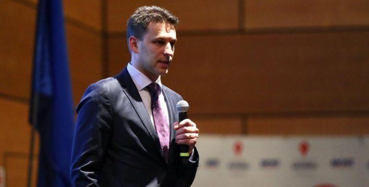"""Božo Petrov pozvao Plenkovića da """"konačno počne donositi odluke"""""""