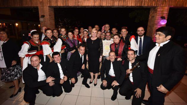Susret Predsjednice Grabar-Kitarović s predstavnicima hrvatske zajednice u Santiagu de Chileu