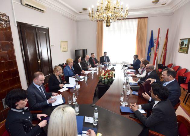 Predsjednica Grabar-Kitarović s alžirskim šefom diplomacije: Vrlo dobri odnosi dviju zemalja