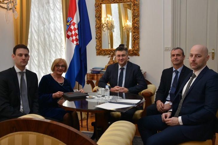 Predsjednik Vlade Plenković razgovarao s izaslanstvom javnobilježničke komore o ovršnom sustavu i blokiranima