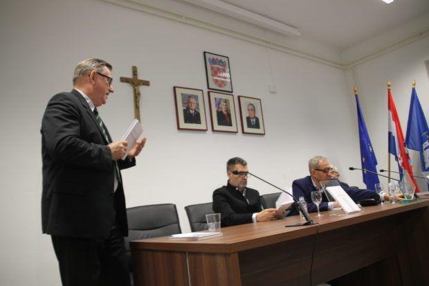 """U Hrvatskom generalskom zboru održana promocija nove zbirke pjesama Vicka Goluže """" Tri Hrvatske"""""""