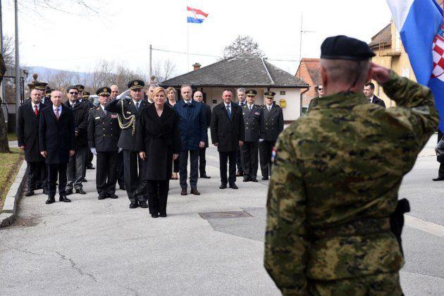 Predsjednica Grabar-Kitarović i Krstičević u požeškoj vojarni na prisezi 21. naraštaja dragovoljnih ročnika